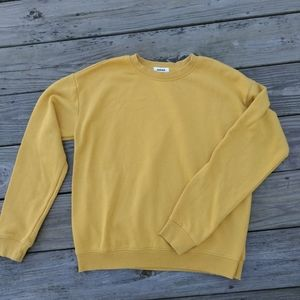 Garage yellow crew sweatshirt. Sz SM